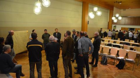 Diskussionsrunde zum Thema Waldwirtschaft beim ersten Regionalforum in Enzklösterle © FVA